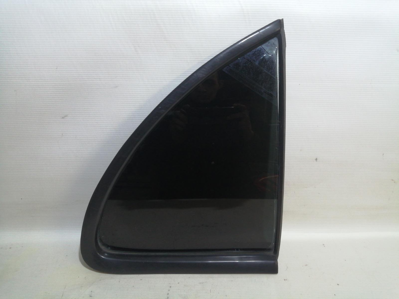 Форточка двери Nissan Pulsar FN15 GA15DE 1999 задняя правая
