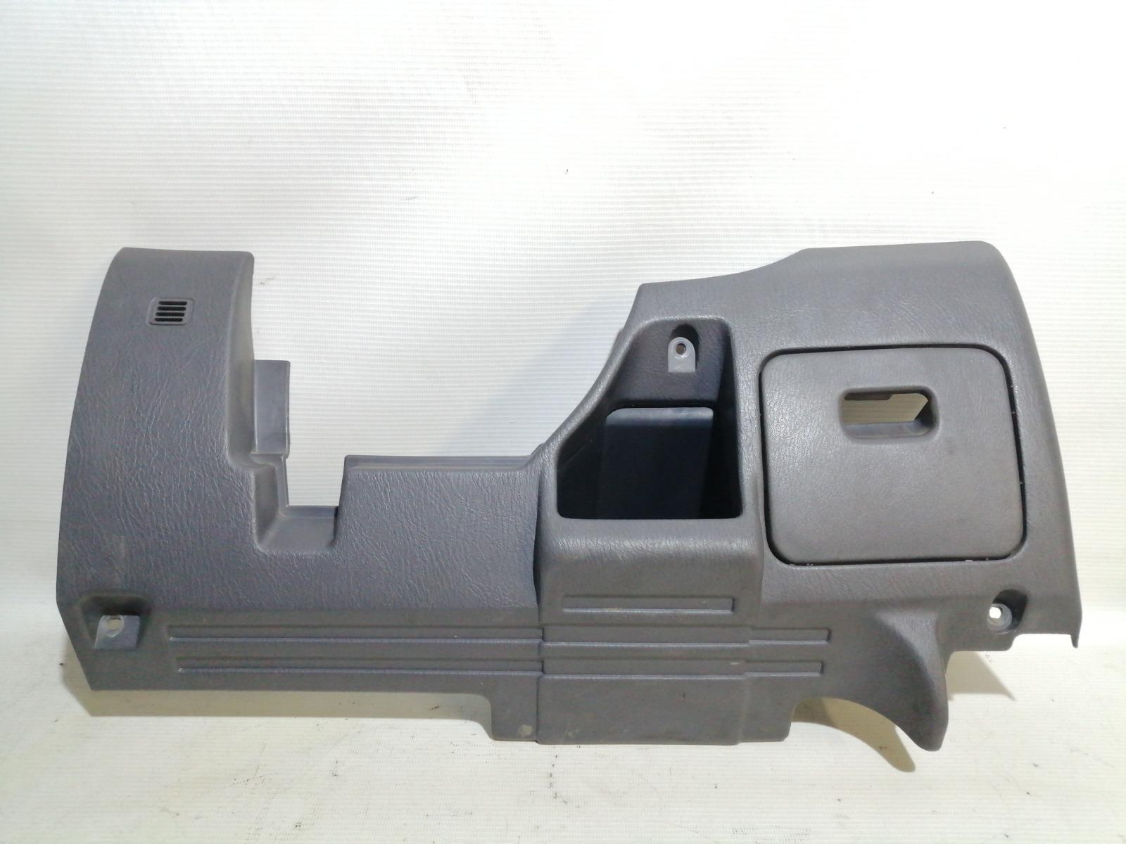 Накладка под рулем Nissan Pulsar FN15 GA15DE 1999