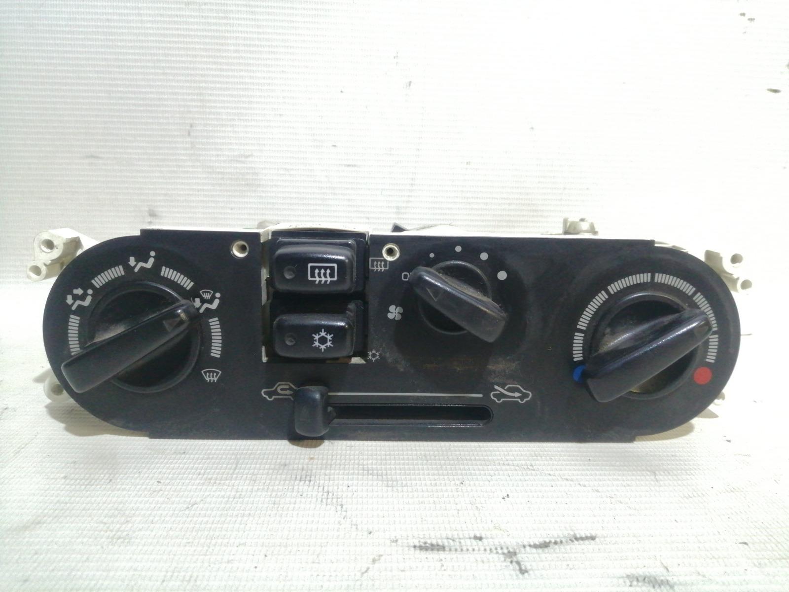 Блок управления климат-контролем Mitsubishi Mirage CM2A 4G15 2000