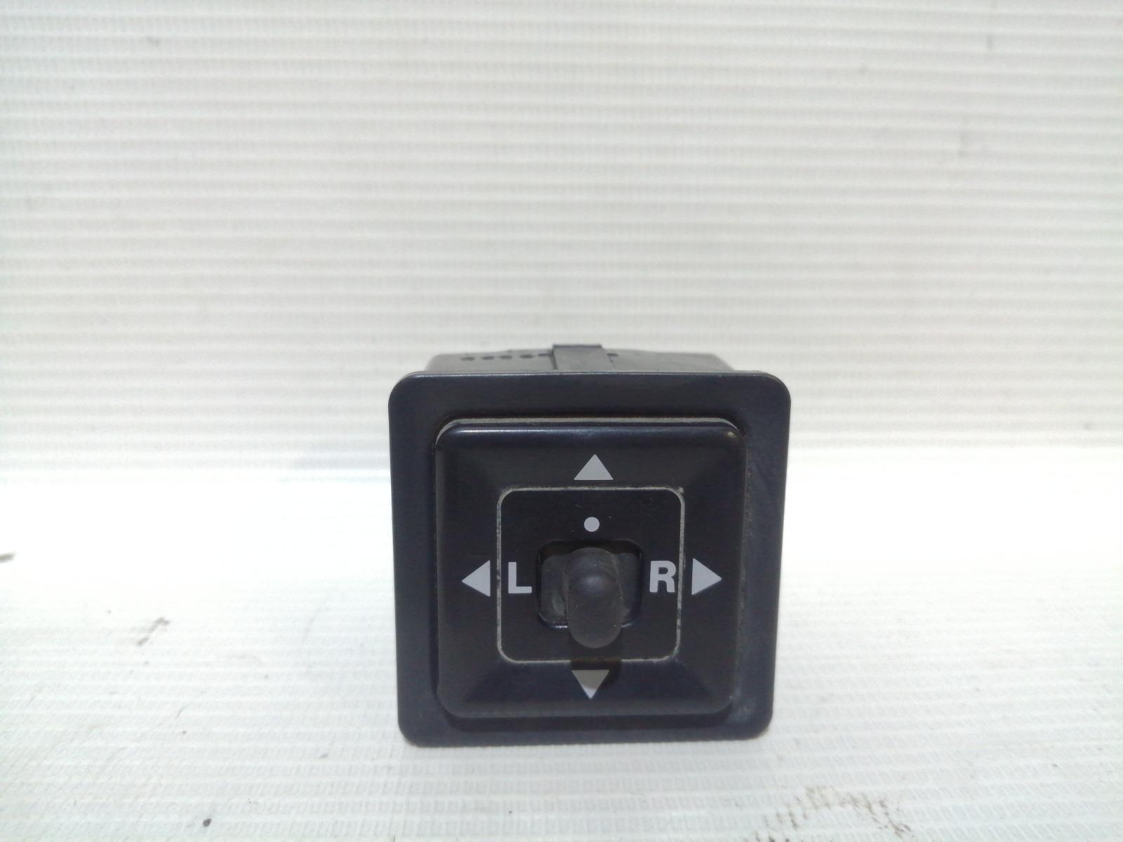 Блок управления зеркалами Mitsubishi Mirage CM2A 4G15 2000