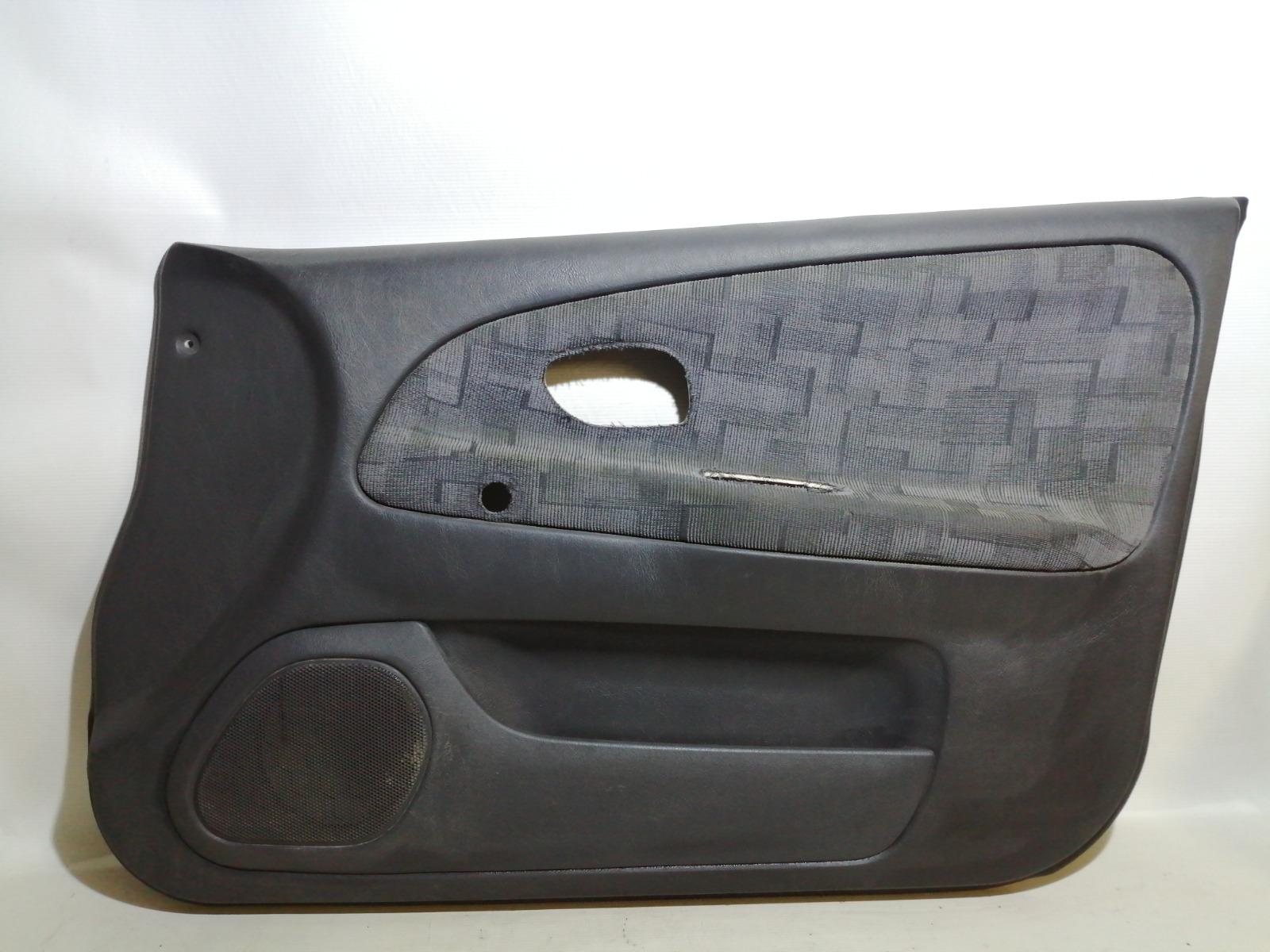 Обшивка двери Mitsubishi Mirage CM2A 4G15 2000 передняя правая