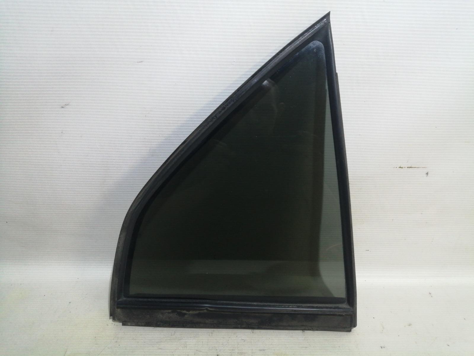 Форточка двери Mitsubishi Mirage CM2A 4G15 2000 задняя правая