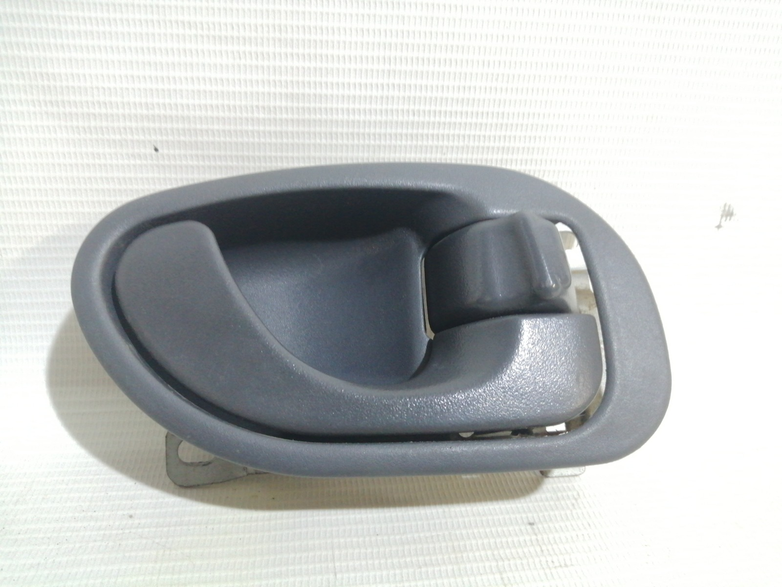 Ручка двери внутренняя Mitsubishi Mirage CM2A 4G15 2000 задняя правая
