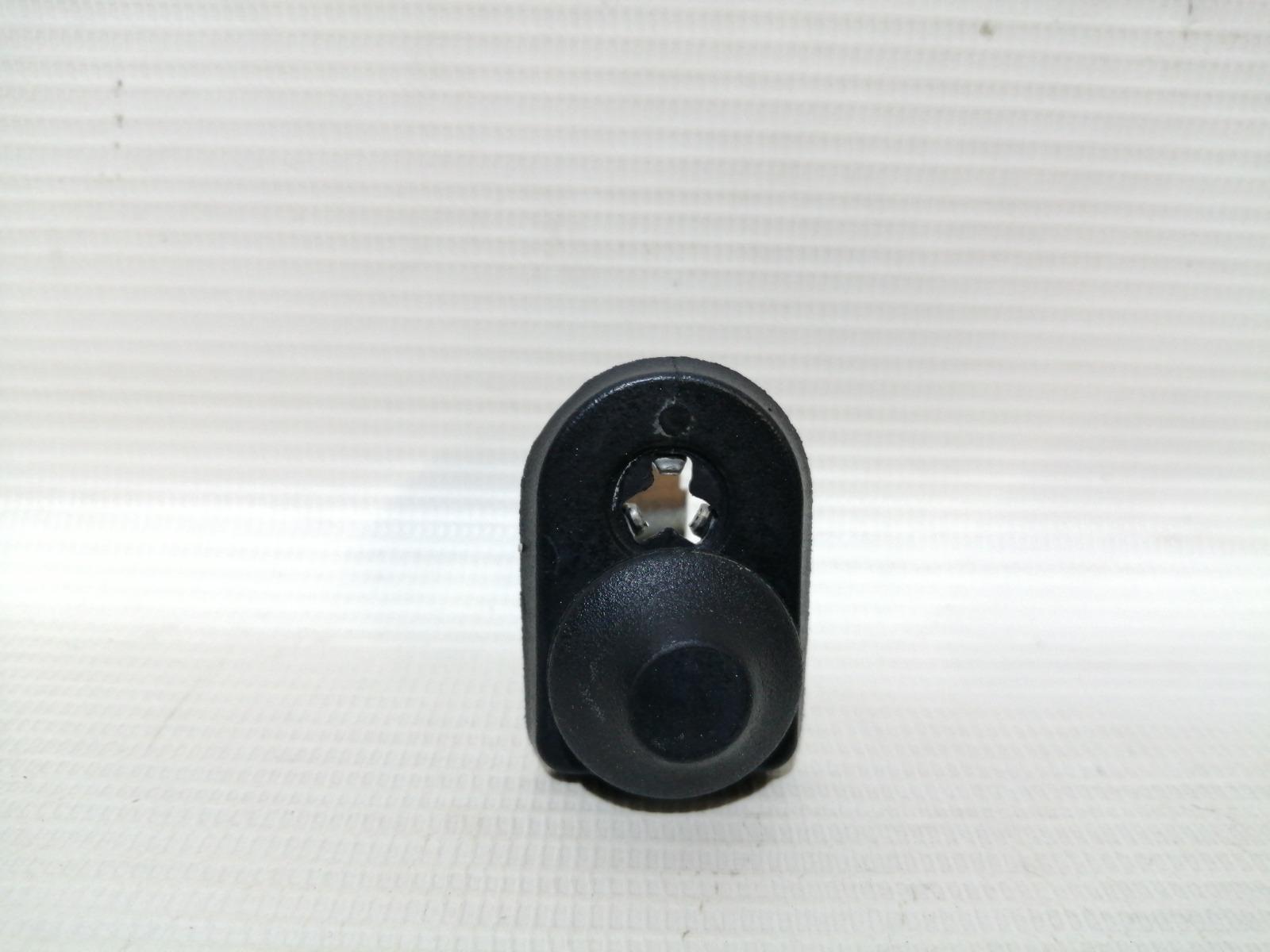 Концевик двери Mitsubishi Mirage CM2A 4G15 2000 задний