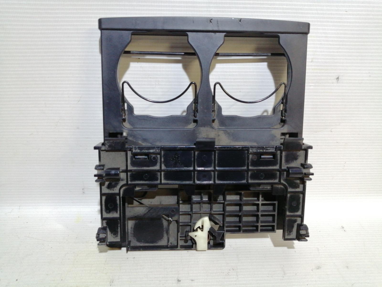 Подстаканник Nissan Pulsar FN15 GA15DE 1999