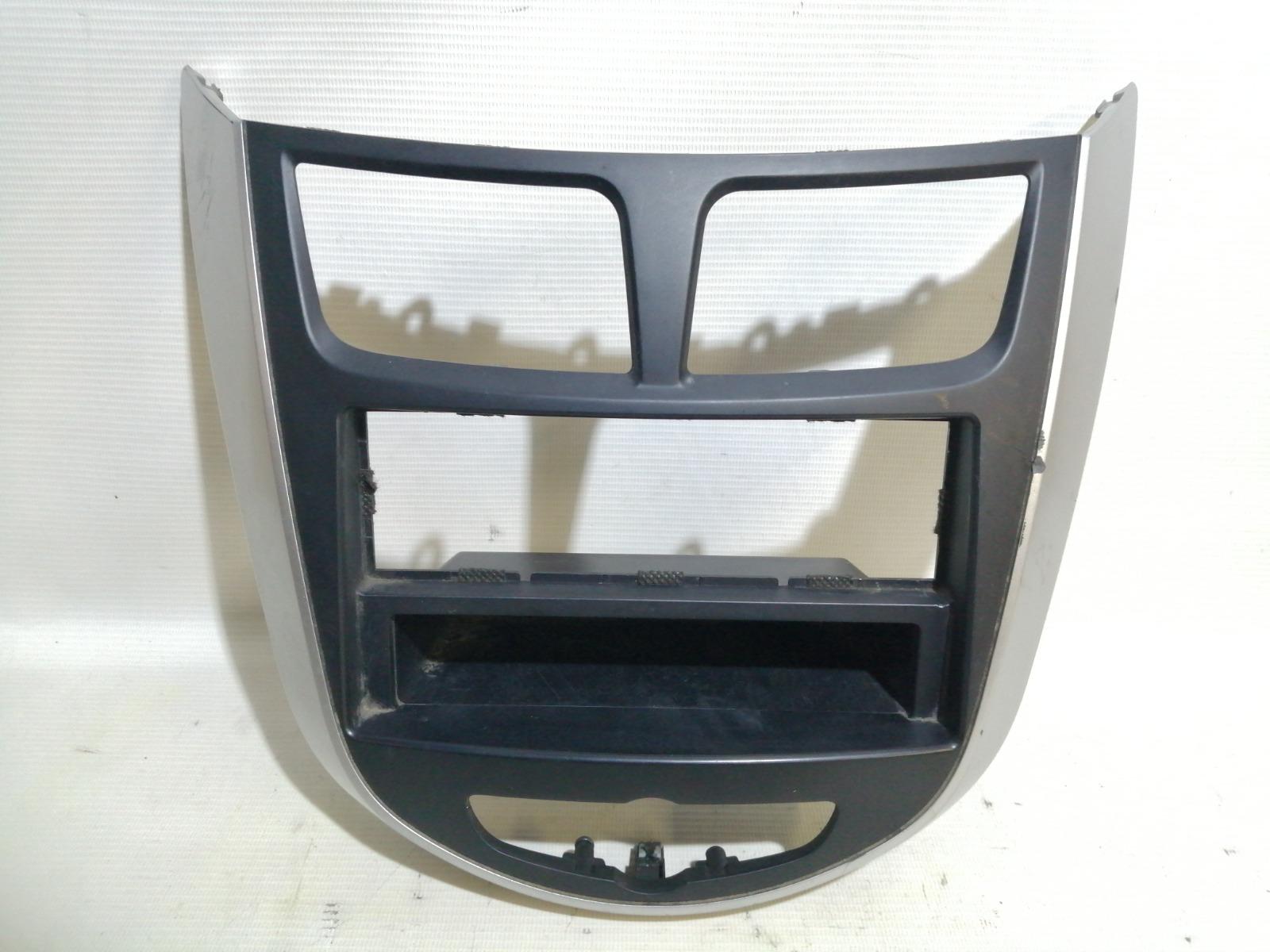 Накладка консоли Hyundai Solaris RB G4FA 2010