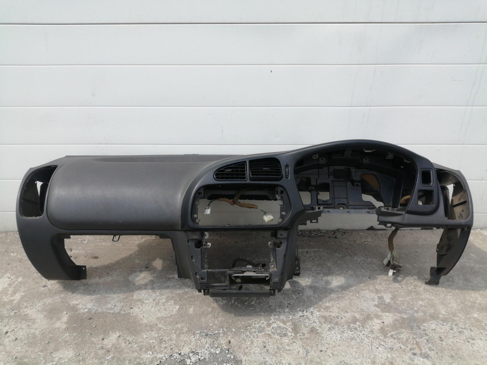 Панель приборов (торпеда) Mitsubishi Lancer CK5A 4G93 1998