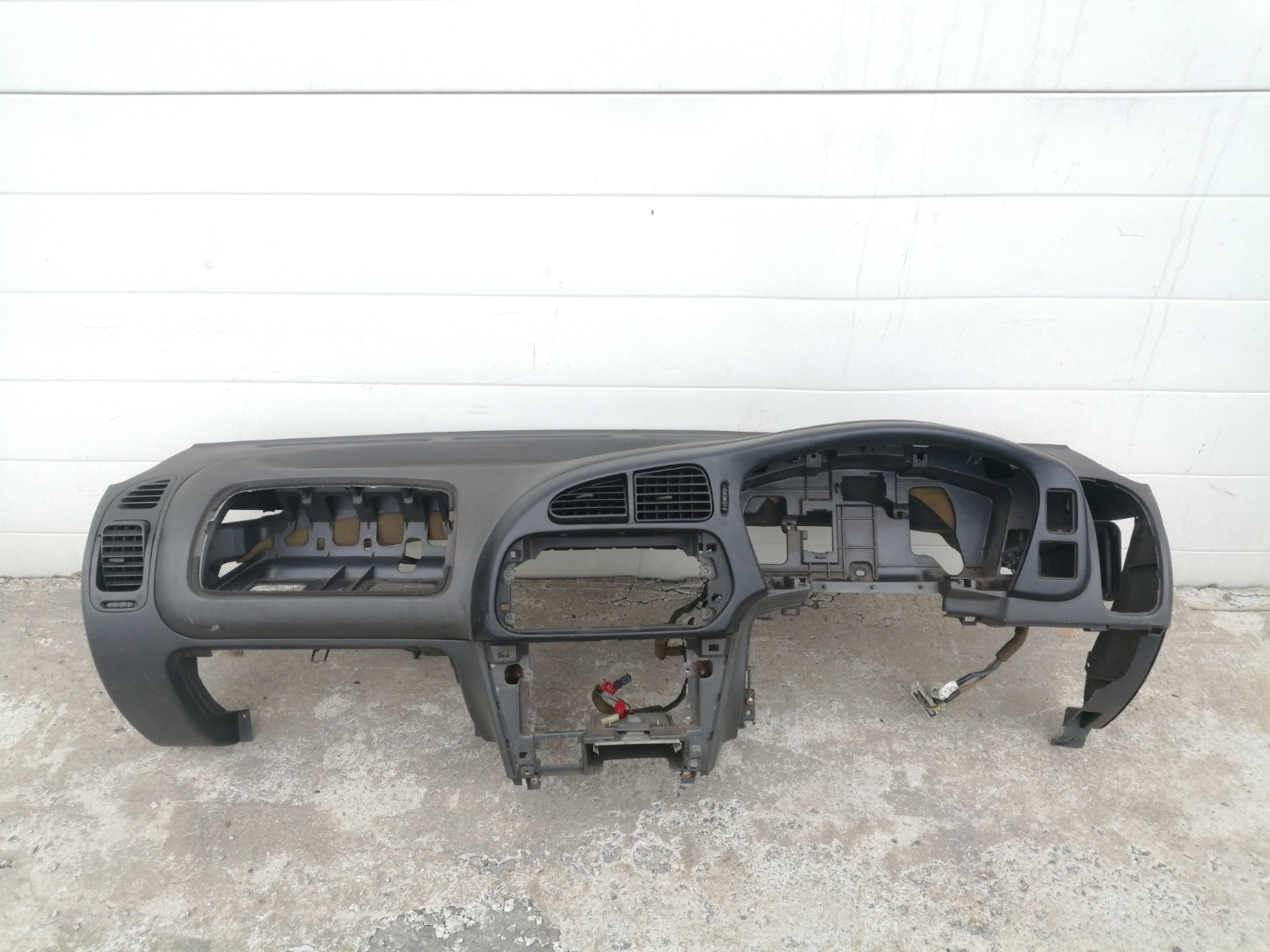 Панель приборов (торпеда) Mitsubishi Lancer CK2A 4G15 1997