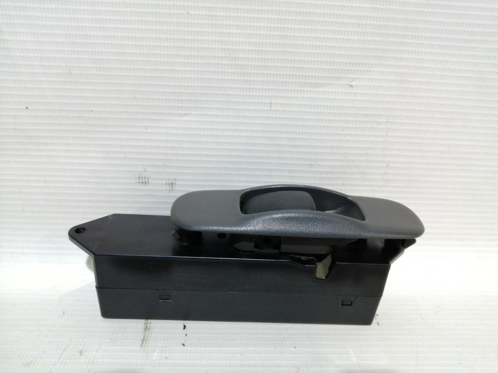 Кнопка стеклоподъемника Mitsubishi Lancer CK5A 4G93 1998 задняя правая