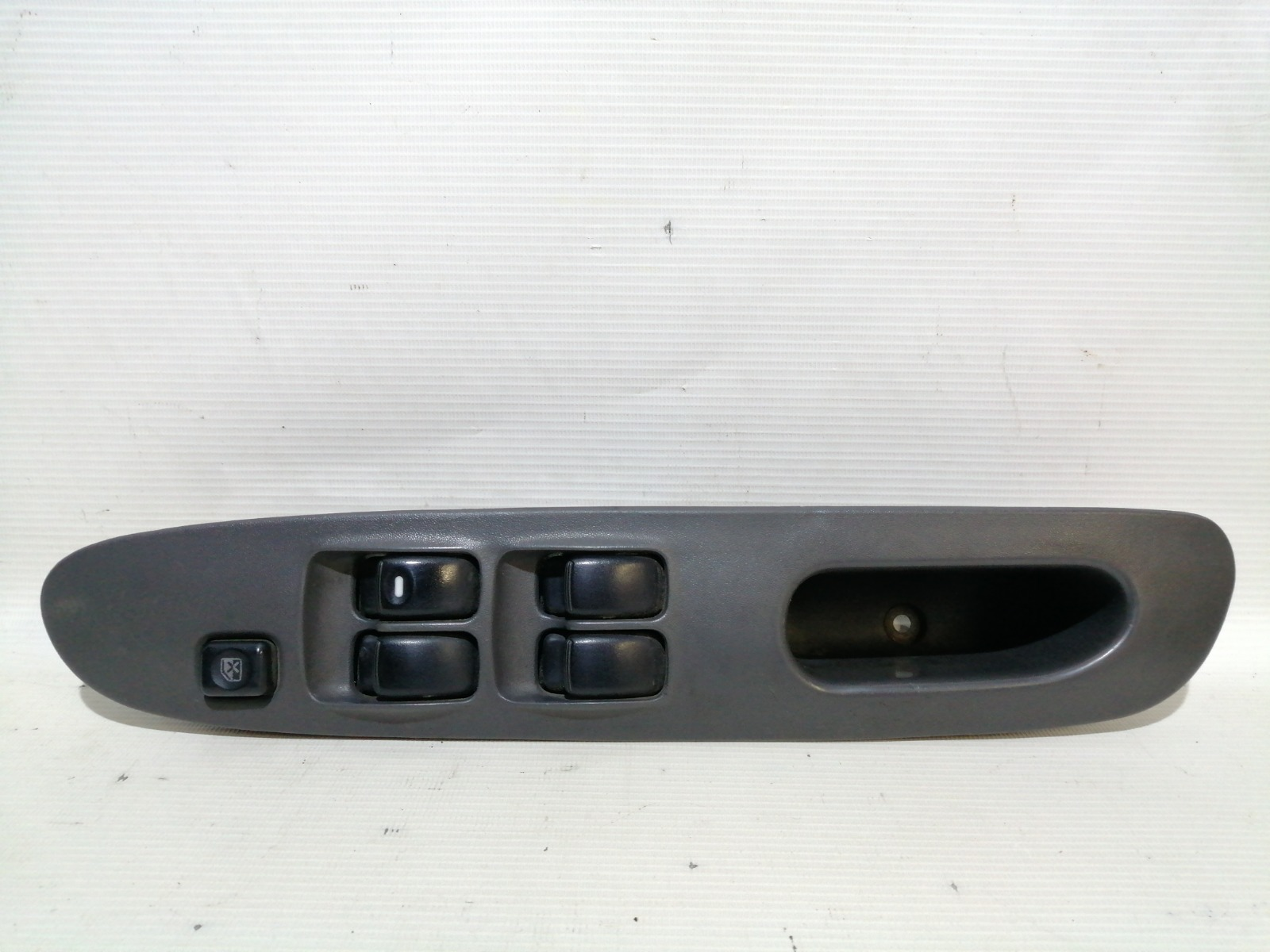 Блок управления стеклоподъемниками Mitsubishi Lancer CK5A 4G93 1998 передний правый