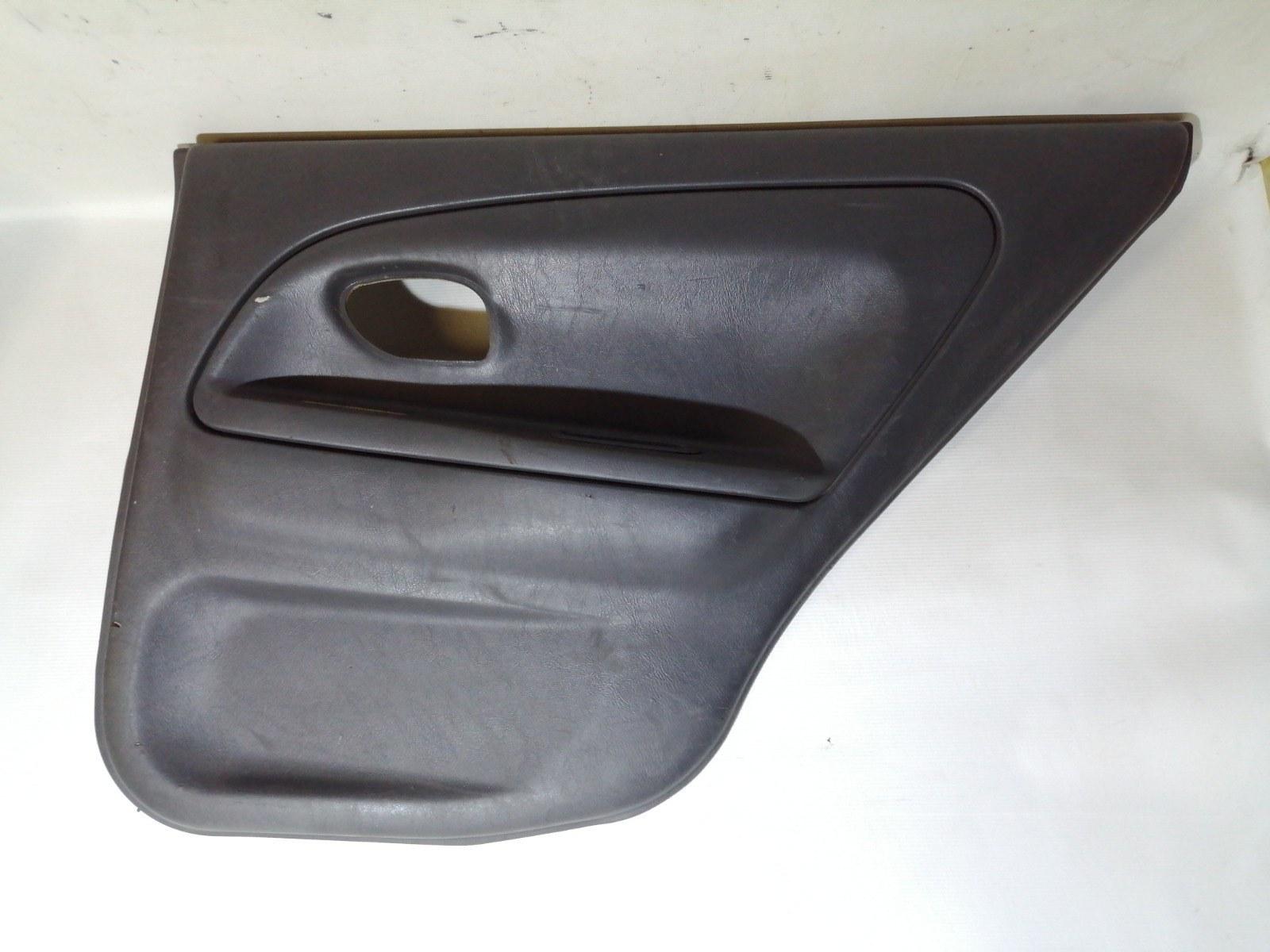 Обшивка двери Mitsubishi Lancer CK5A 4G93 1998 задняя правая