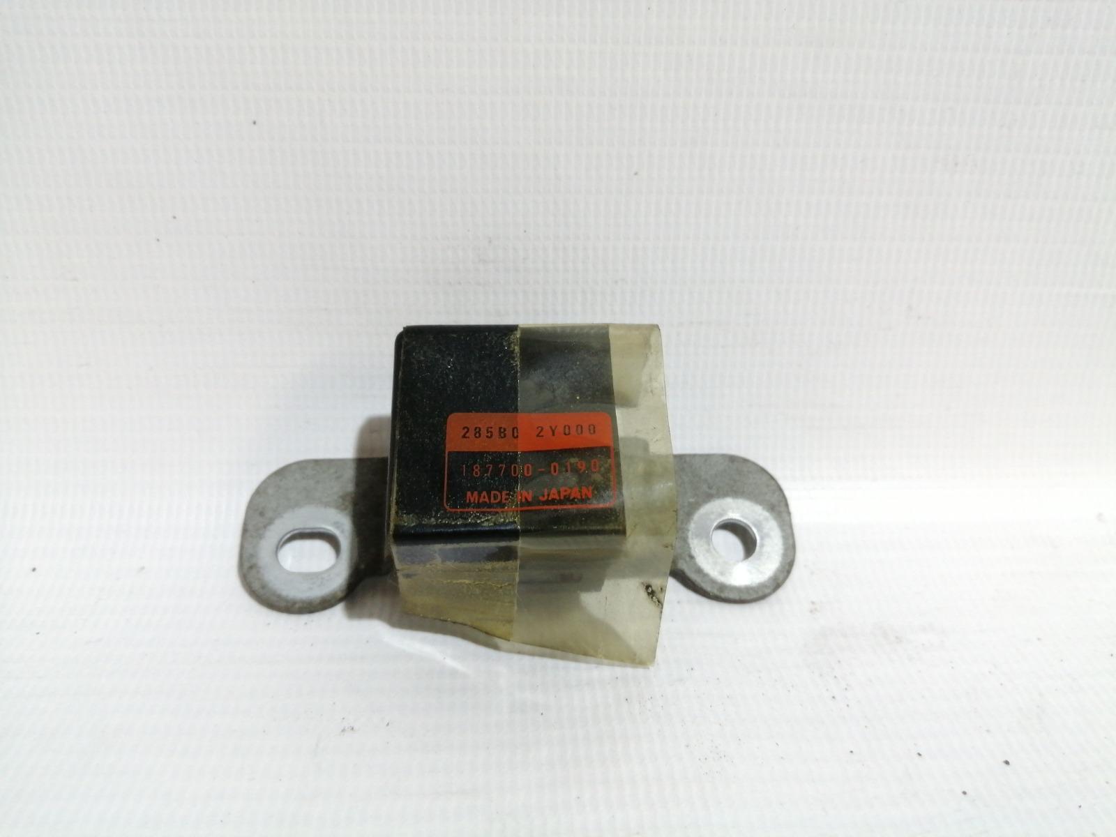 Датчик airbag Nissan Cefiro A33 VQ20DE 1999