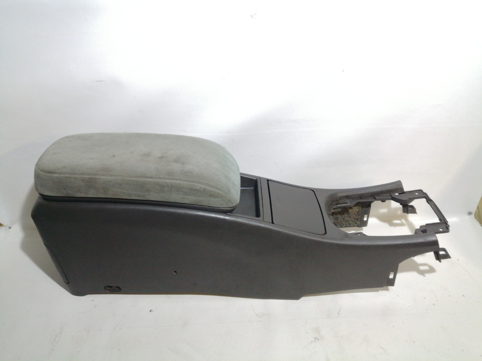 Подлокотник Nissan Cefiro A33 VQ20DE 1999