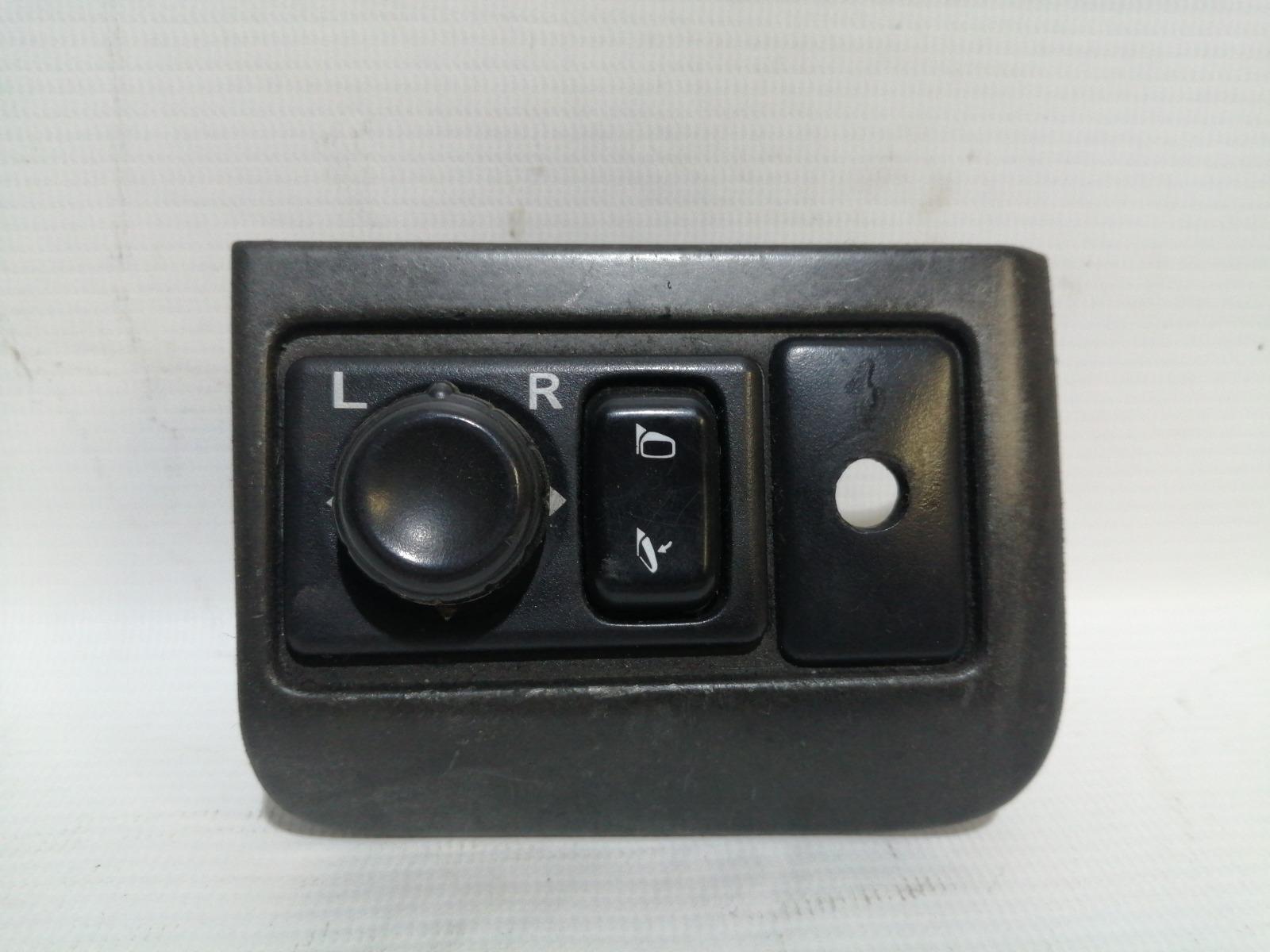 Блок управления зеркалами Nissan Cefiro A33 VQ20DE 1999