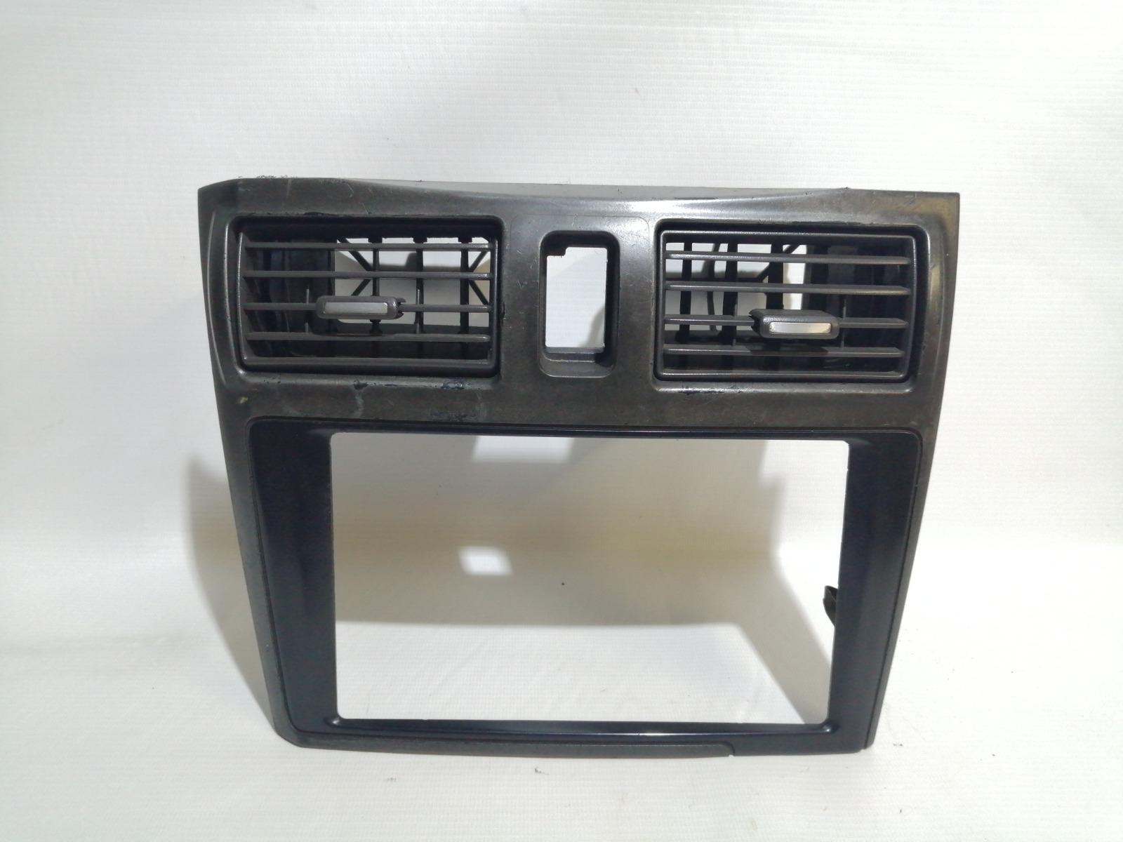Рамка магнитолы Nissan Cefiro A33 VQ20DE 1999