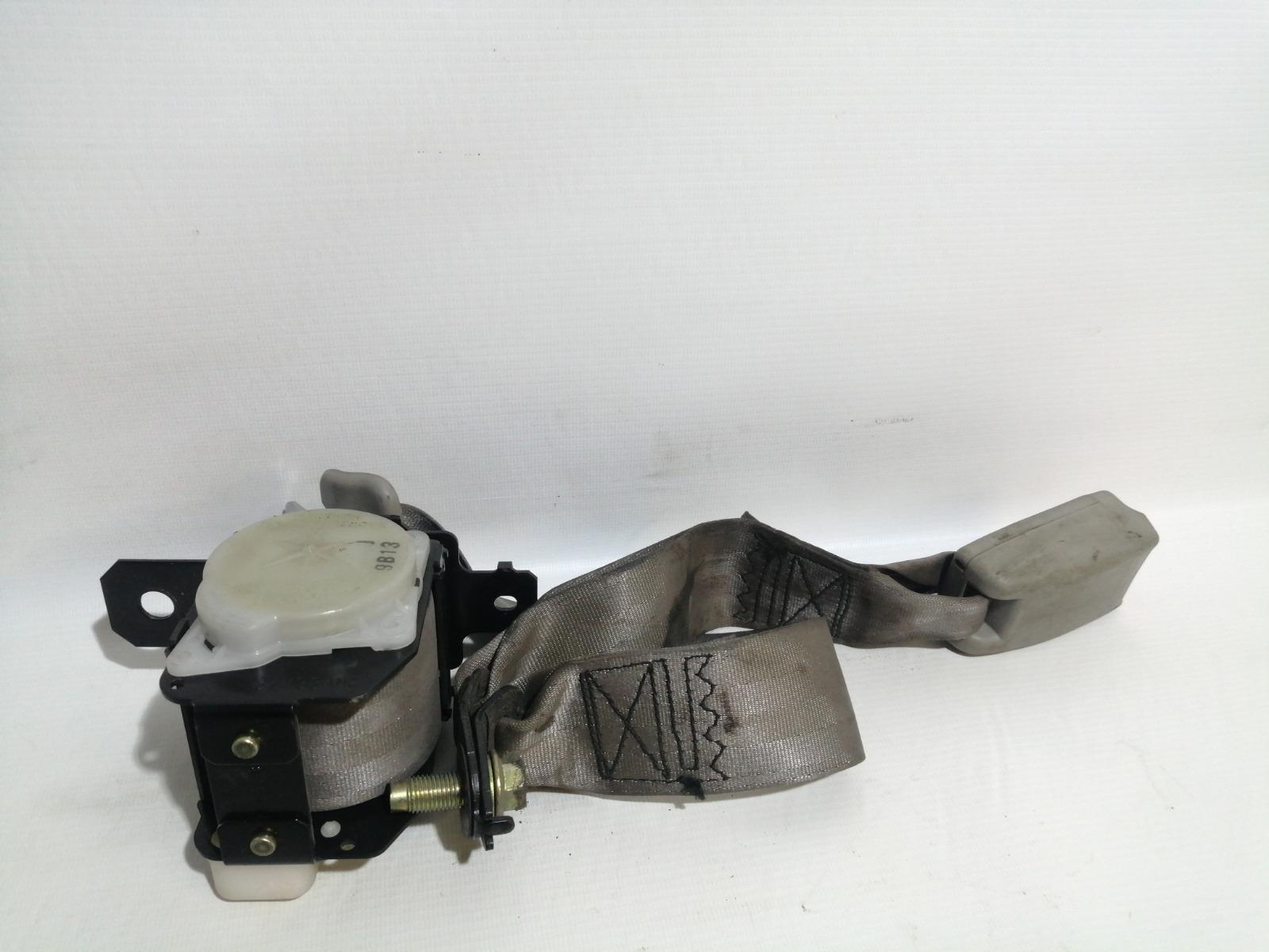 Ремень безопасности Nissan Cefiro A33 VQ20DE 1999 задний
