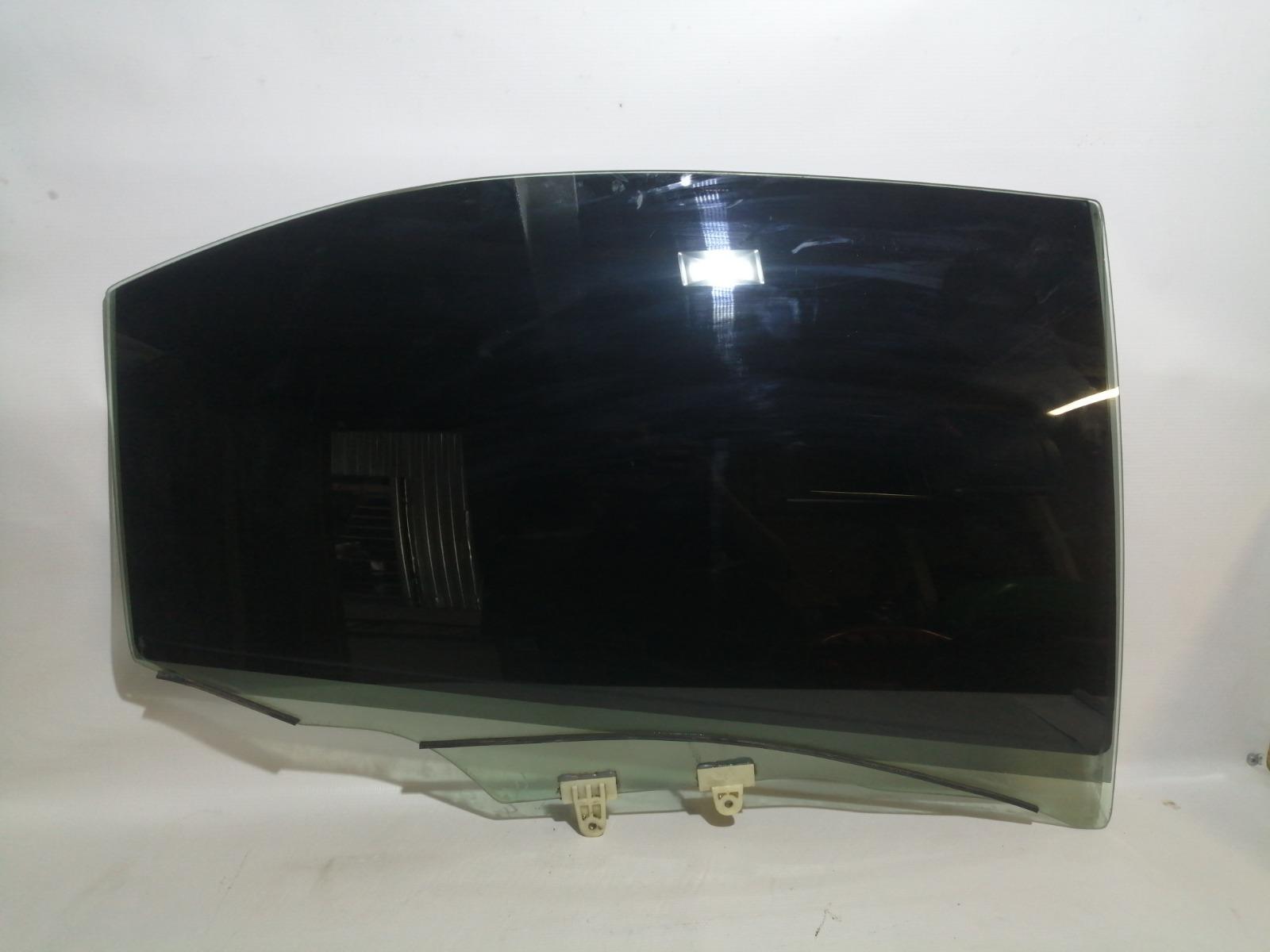 Стекло боковое Nissan Cefiro A33 VQ20DE 1999 заднее правое