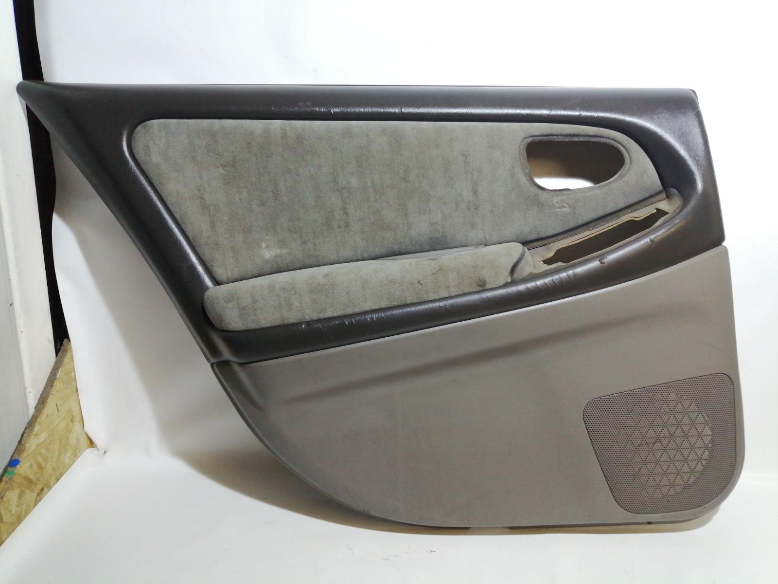 Обшивка двери Nissan Cefiro A33 VQ20DE 1999 задняя левая