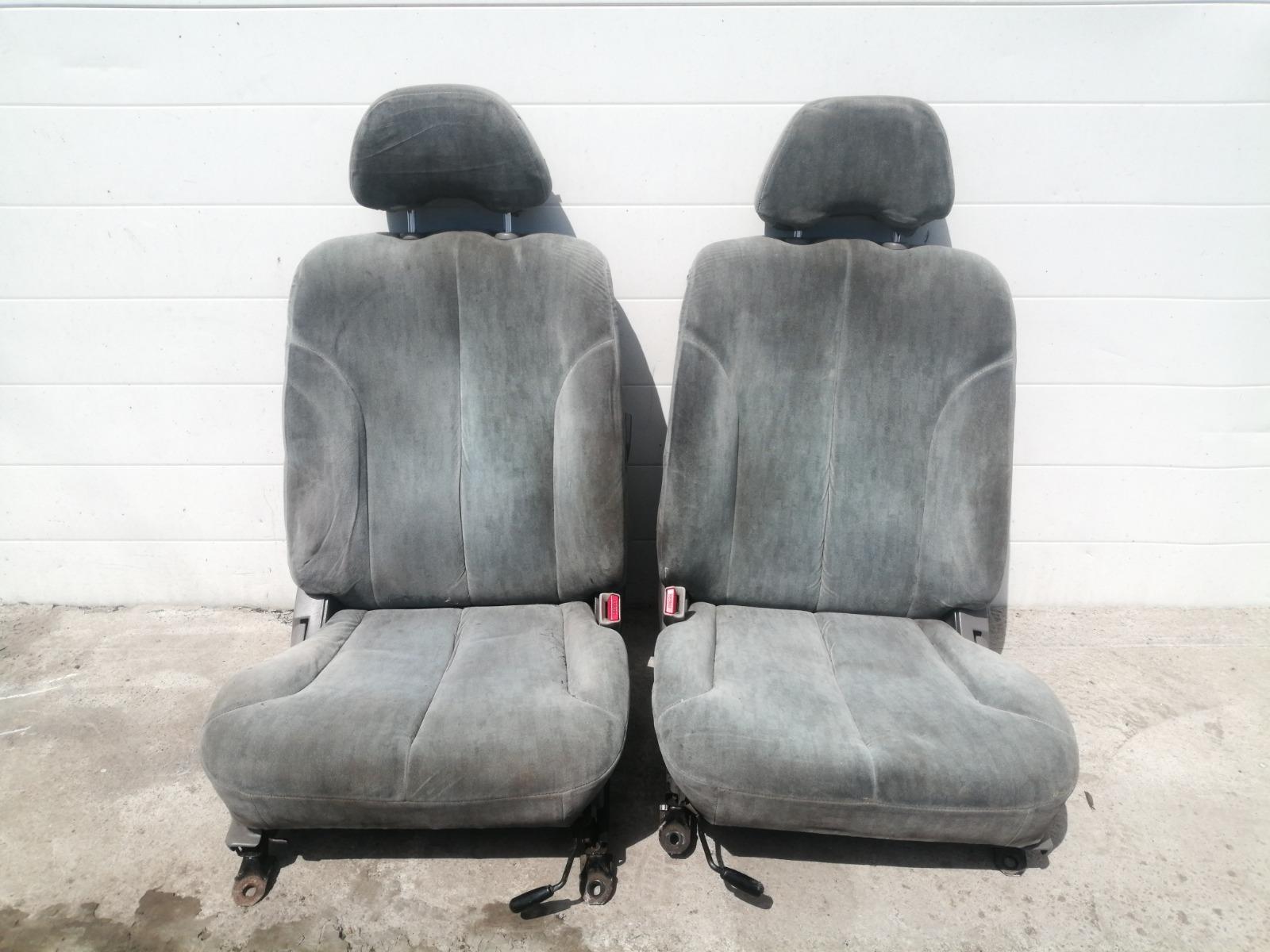 Сиденье Nissan Cefiro A33 VQ20DE 1999 переднее