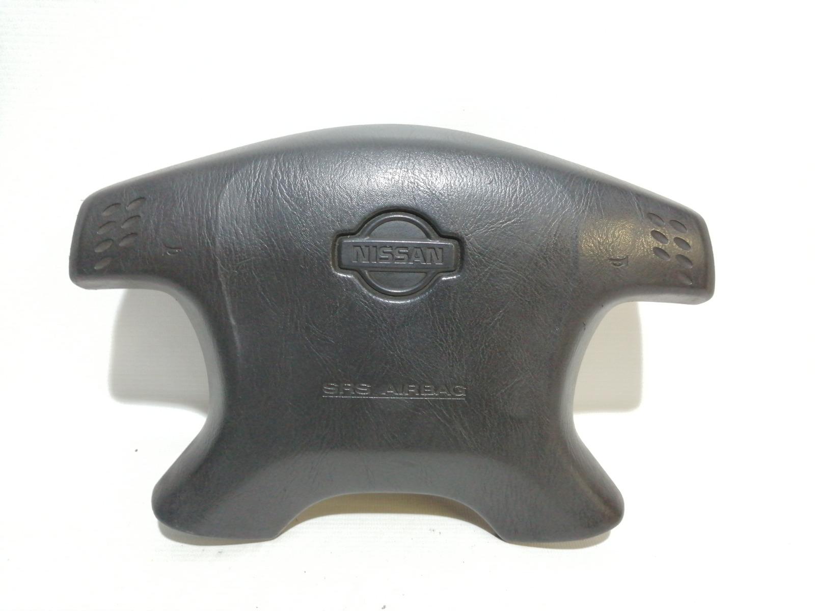 Подушка безопасности в руль Nissan Cefiro A33 VQ20DE 1999