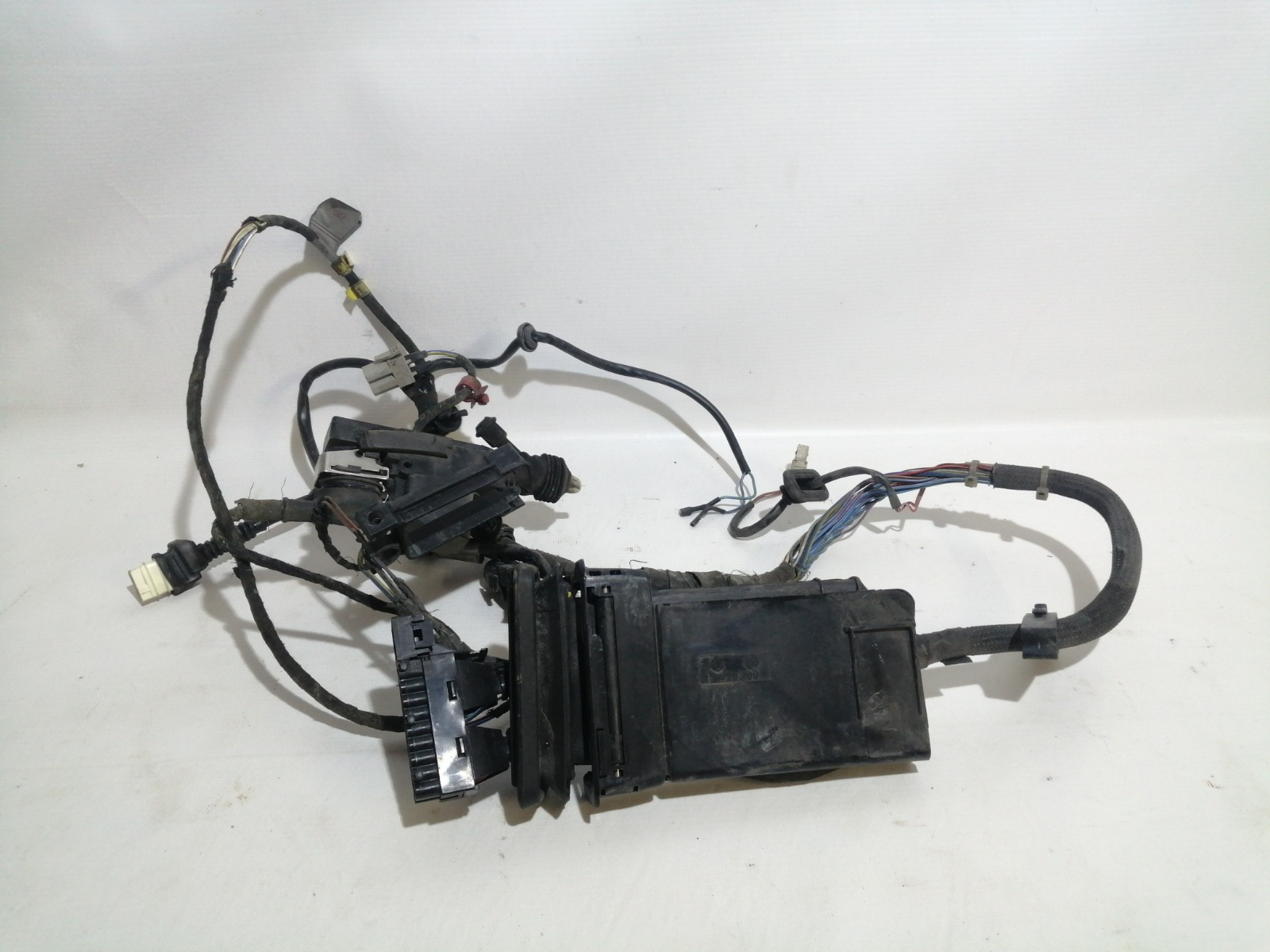 Проводка двери Bmw 7-Series E32 M20B25 1986 передняя правая