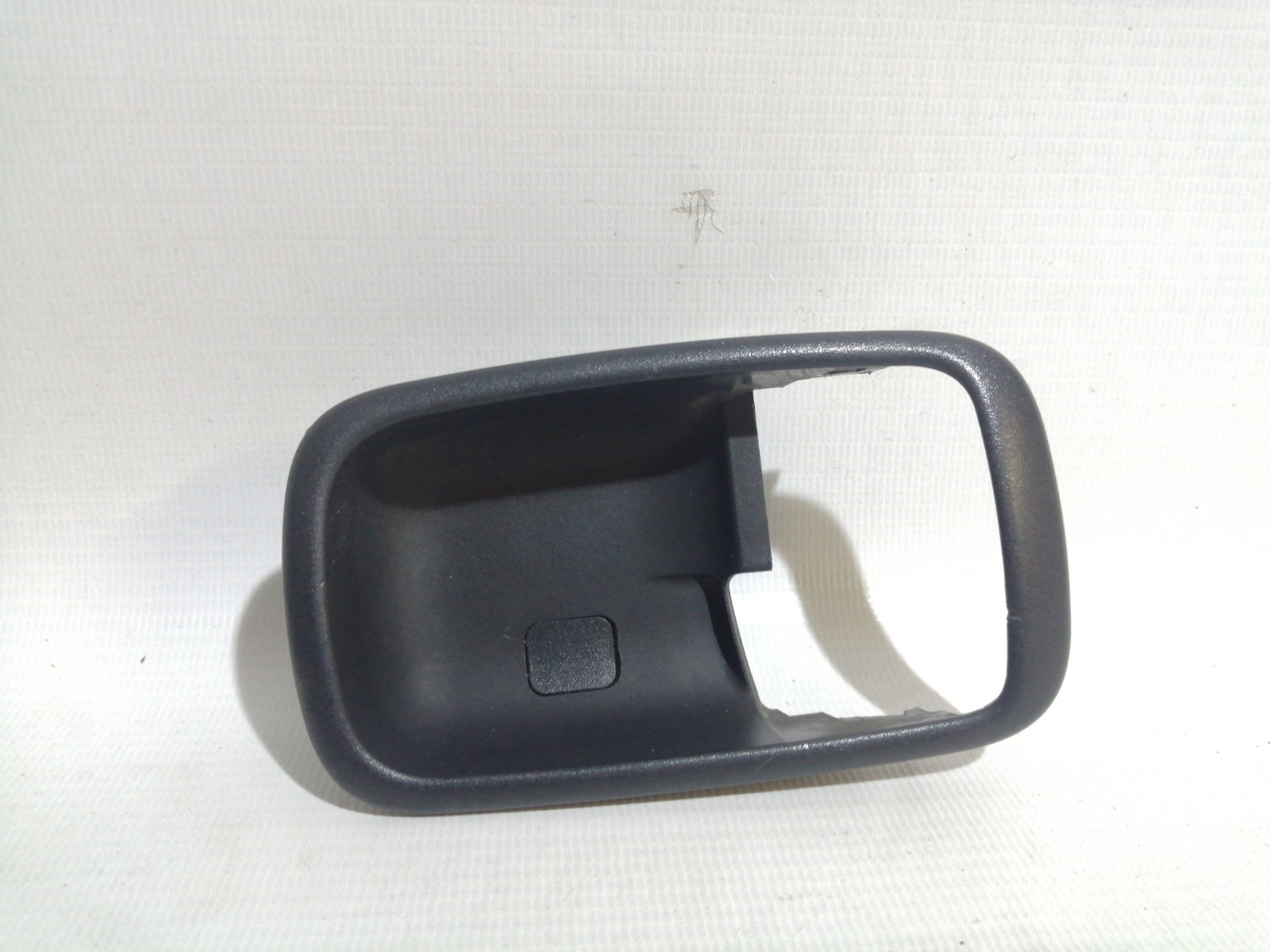 Накладка на ручку двери внутренняя Mitsubishi Lancer CS1A 4G18 2003 левая