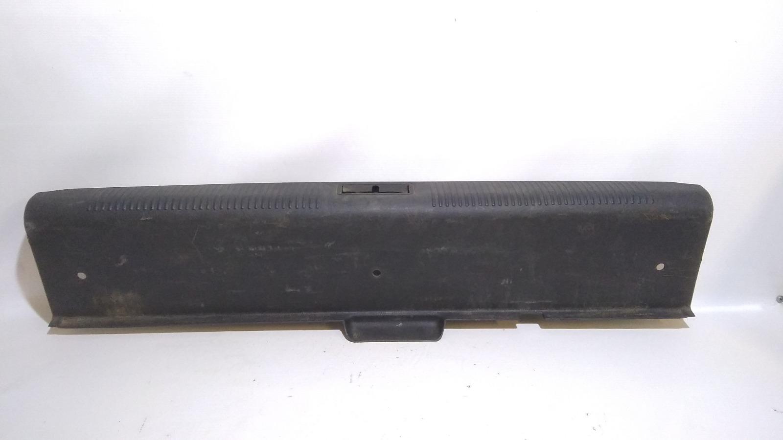 Обшивка багажника Hyundai Accent LC2 G4ECG 2000