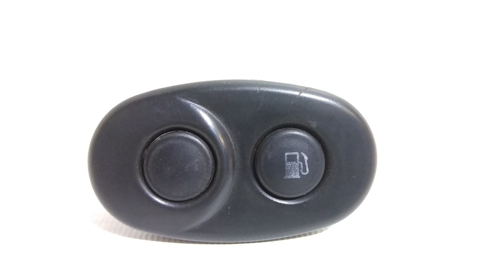 Кнопка открывания багажника Daewoo Nexia KLETN F16D3 2010