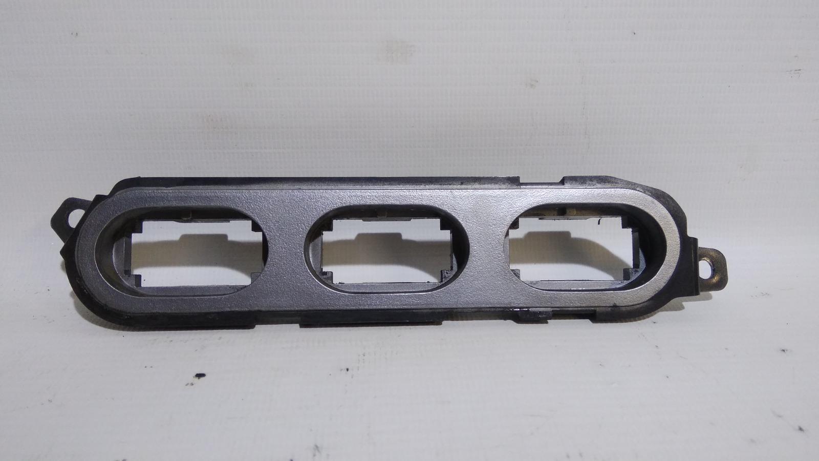 Накладка декоративная Daewoo Nexia KLETN F16D3 2010