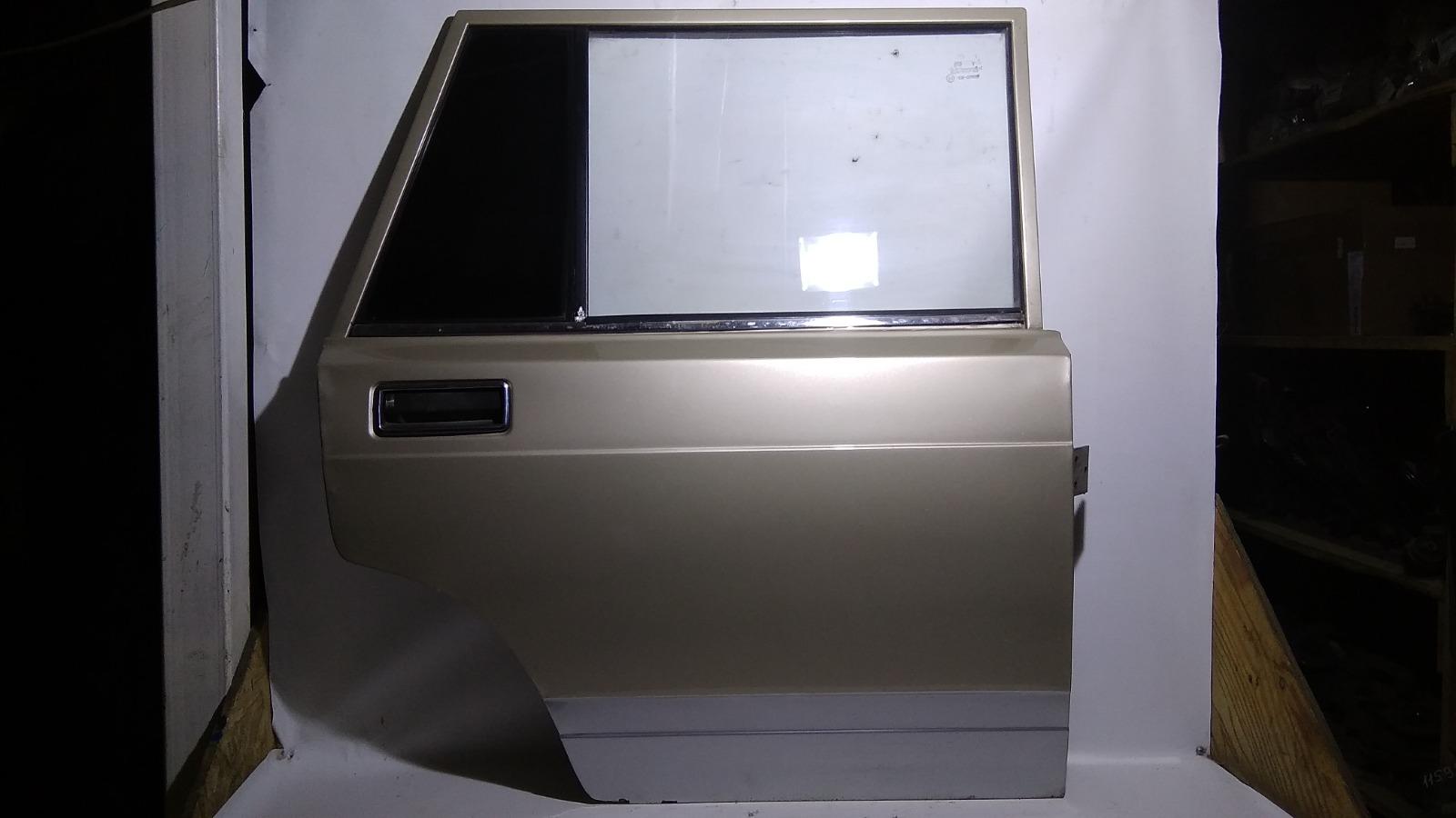 Дверь Лада 2104 21041 BAZ2104 1984 задняя правая