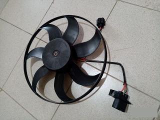 Запчасть вентилятор радиатора VW Passat 2006-2011