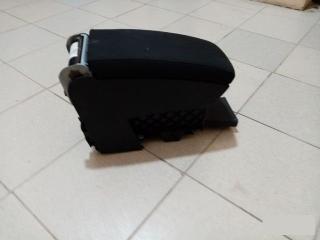 Запчасть подлокотник передний VW Passat 2006-2011