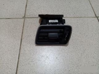 Запчасть дефлектор вентиляции салона левый VW Passat 2011-2015