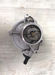 Запчасть вакуумный насос VW Touareg 2007-2012