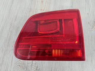 Запчасть фонарь в крышку багажника задний правый VW Tiguan 2011-2016