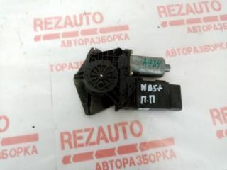 Запчасть мотор стеклоподъемника Volkswagen Passat 2001