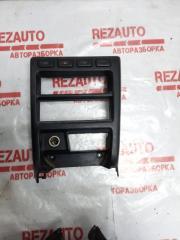 Запчасть рамка магнитолы Nissan Sunny 1991