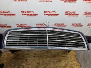 Решетка радиатора Mercedes-Benz C-Class W202 M111E20 1997 (б/у)