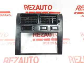 Запчасть рамка магнитолы Toyota Corona 1993