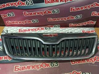 Запчасть решетка радиатора Skоda Rapid 2013