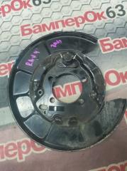 Запчасть кожух тормозного диска задний левый Toyota RAV 4 2013