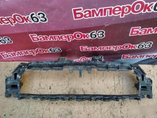 Запчасть кронштейн решетки радиатора Audi Q3 2012