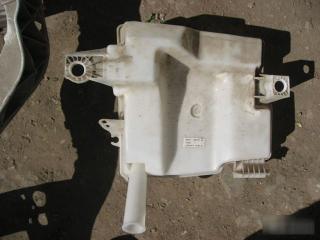 Запчасть бачок омывателя Ford Focus 2011