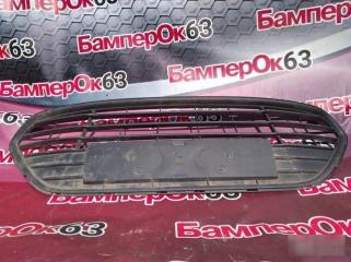 Запчасть решетка в бампер Ford Mondeo 2010