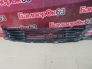 Запчасть решетка в бампер центральная передняя Mitsubishi Outlander 2012