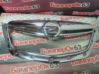Запчасть молдинг решетки радиатора передний Opel Mokka 2012