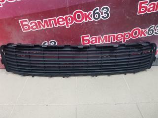 Запчасть решетка в бампер Peugeot 3008 2010