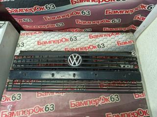 Запчасть решетка радиатора Volkswagen Transporter 1998