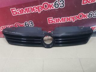 Запчасть решетка радиатора передняя Volkswagen Jetta 2011