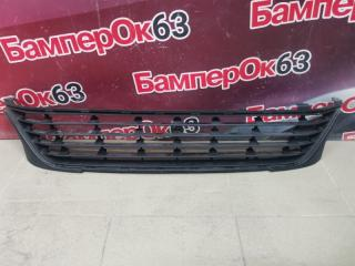 Запчасть решетка в бампер передняя Renault Sandero 2014